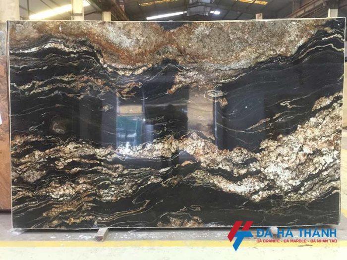 Đá granite đen vân vàng black taurus