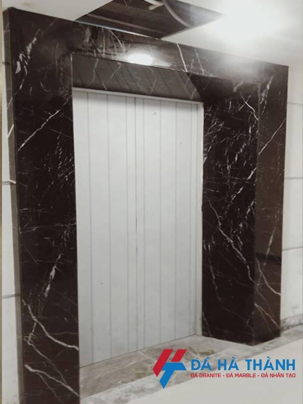 Đá marble đen chỉ trắng ốp thang máy