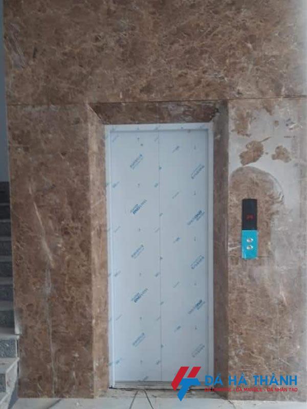 Đá marble nâu tây ban nha ốp thang máy