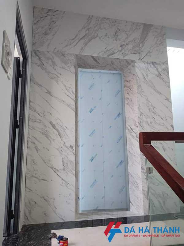 Đá marble trắng hy lạp ốp thang máy