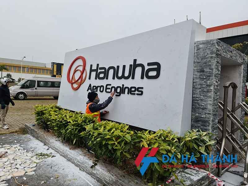 Thi công ốp biển hiệu công ty Hanwha