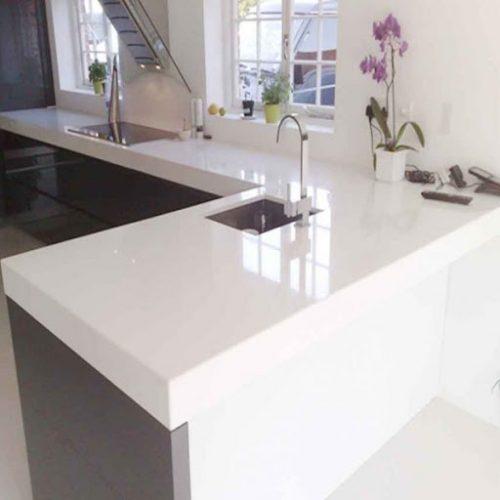 Đá Granite trắng tự nhiên ốp bếp