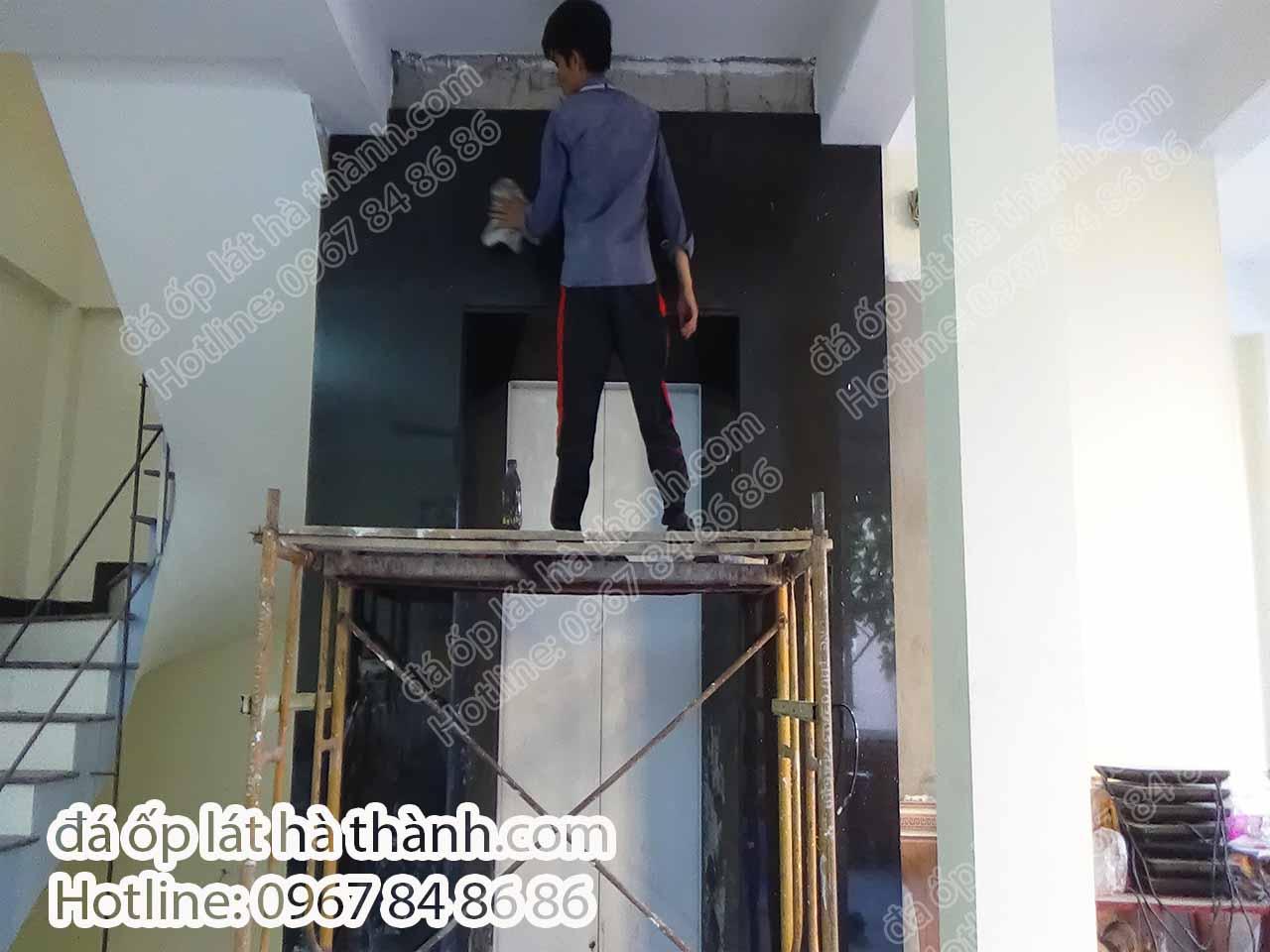Đá kim sa ốp thang máy