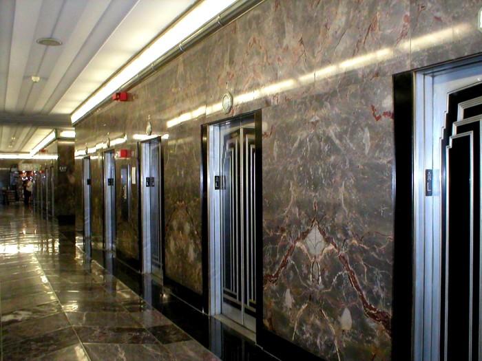 Những mẫu đá ốp thang máy đẹp nên mua nhất năm 2021