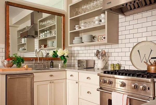 Chú ý không sử dụng và trang trí gương trong phòng bếp
