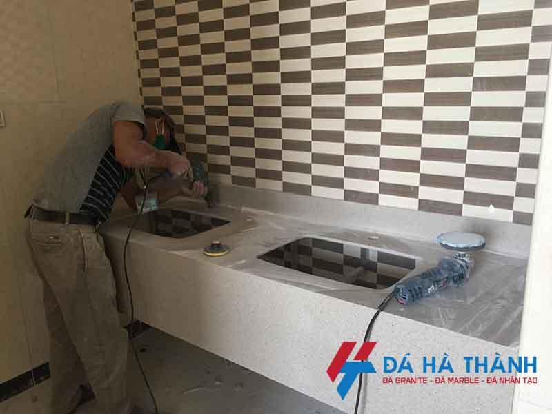 thi công đá solid suface ốp lavabo tại công trình
